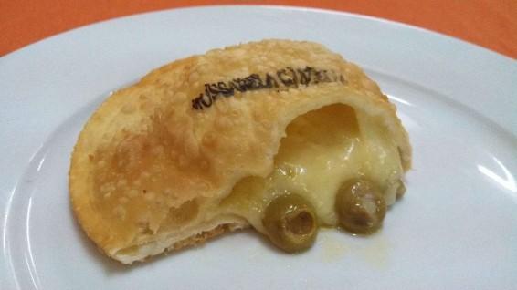 Pastel Mussarela com Azeitona-1400